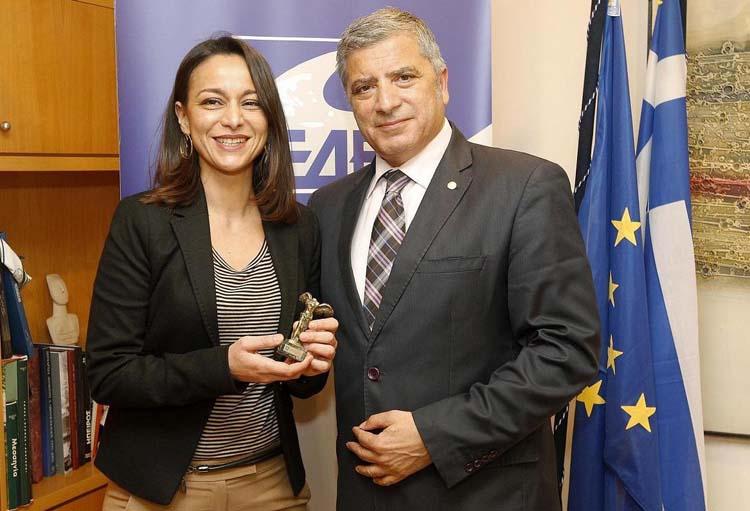 Ο Πρόεδρος της ΚΕΔΕ Γ. Πατούλης και η Όλγα Νάσση, Πρόεδρος και επικεφαλής της αντιπροσωπείας των Ελληνικών Κοινοτήτων και Αδελφοτήτων Ιταλίας