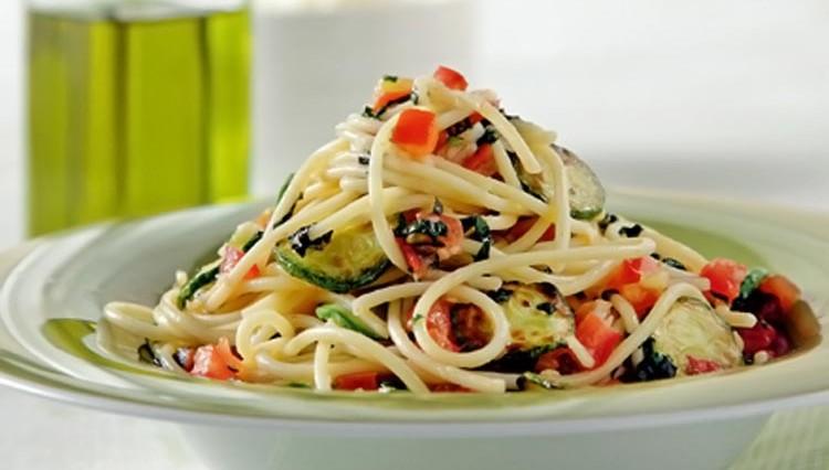 spageti--kolokythakia-dyosmos