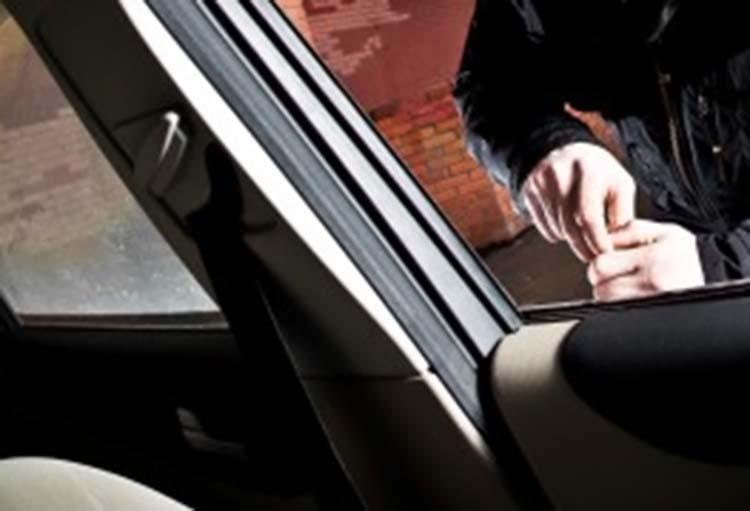κλοπή από αυτοκίνητο