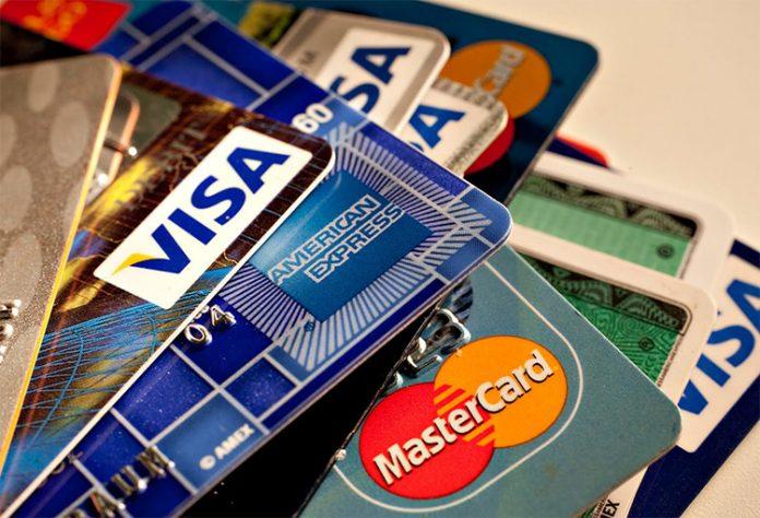 γνωριμίες με κάρτες δικαστών